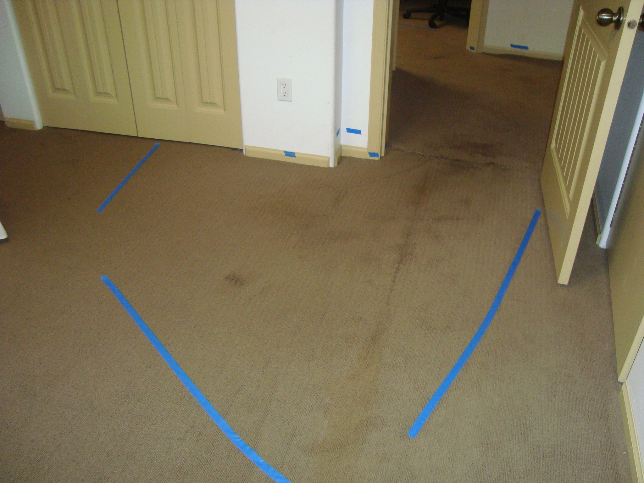 Sewer backup cleanup sewer flood in home sewer clean up for Sewer backup in house
